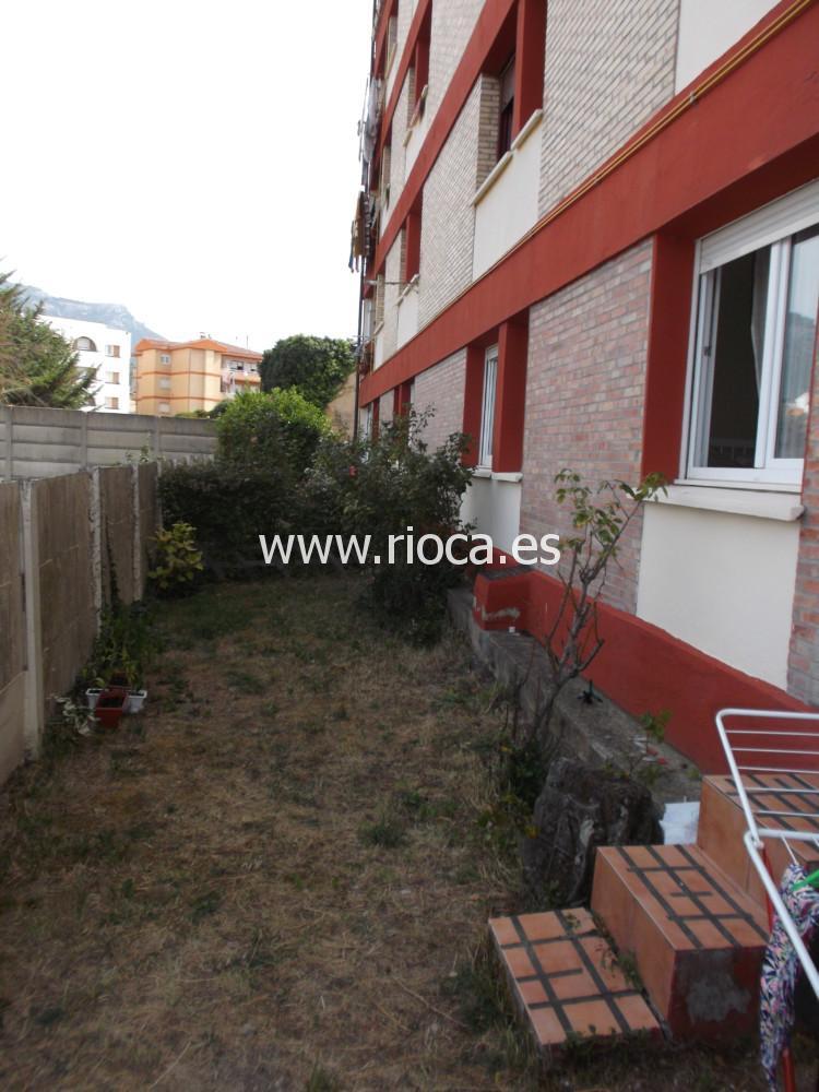 Bajo de tres dormitorios con jard n propio inmobiliaria for Inmobiliaria jardines